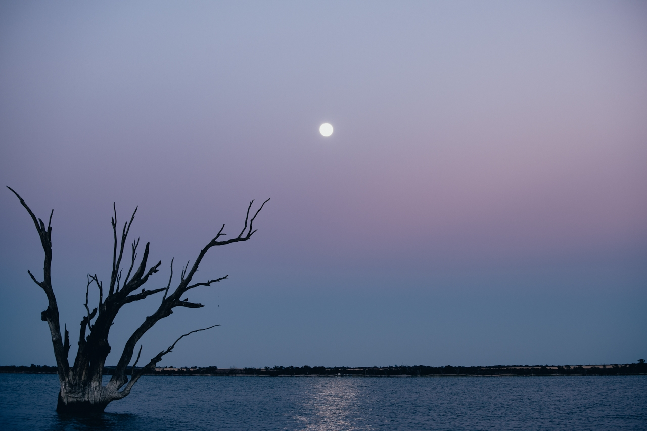 Moon-over-Lake-Bonney-Barmera