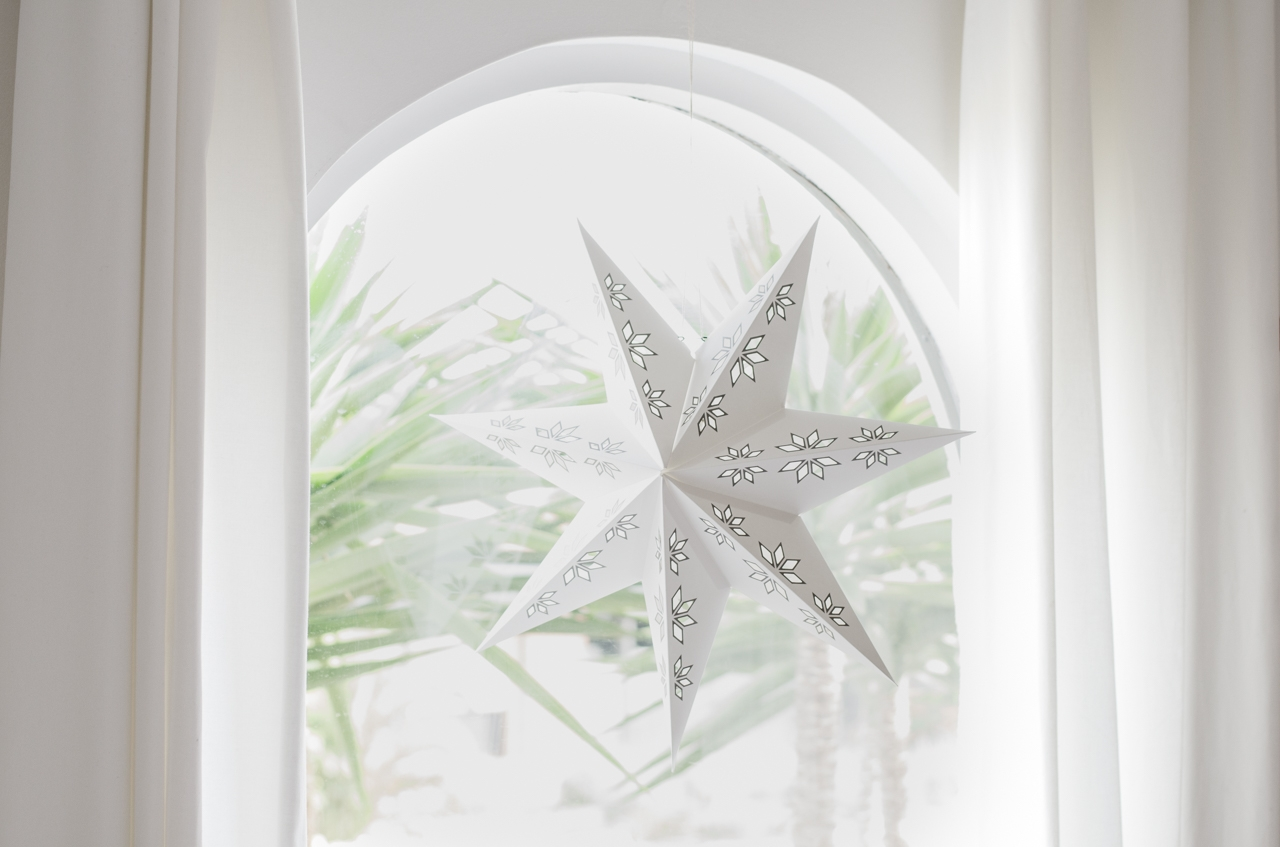 Star-in-window