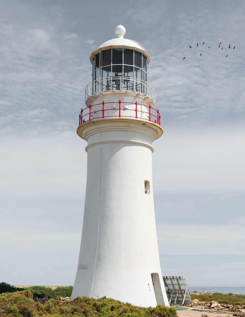 Althorpe-Island-lighthouse
